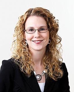 Elizabeth Larson<br/>RE/MAX Results